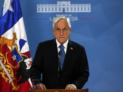 O presidente Sebastián Piñera na Moeda. Em vídeo, o discurso de Piñeda (em espanhol).