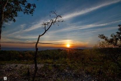 Pôr do sol no Parque Chapada dos Veadeiros, em Alto Paraíso, no Goiás.