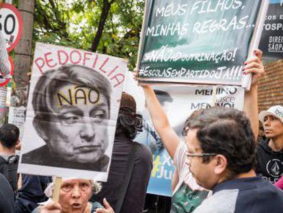 Palestra da filósofa Judith Butler mobilizou um punhado de manifestantes em São Paulo em mais  round  da guerra entre ativistas progressistas e grupos ultraconservadores no Brasil. O EL PAÍS foi ouvi-los