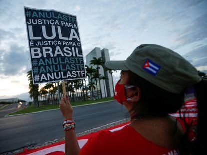 Manifestação em apoio ao ex-presidente em frente ao STF nesta quinta-feira, em Brasília.