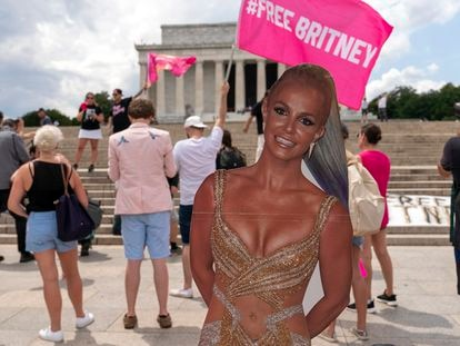 Cartazes de apoia a Britney Spears em, em 14 de julho de 2021