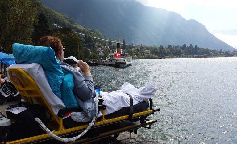 Ver o mar ou um lago pela última vez era o desejo de várias pessoas ajudadas pela ONG holandesa.