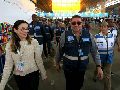 Fiscais da Secretaria Municipal de Ordem Pública da Prefeitura do Rio de Janeiro fazem vistoria na Bienal do Livro.
