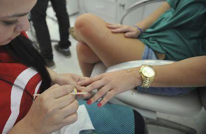 Manicure foi um dos serviços que ficou mais caro em 2013.