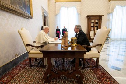 O papa Francisco e o presidente da Argentina, Alberto Fernández.
