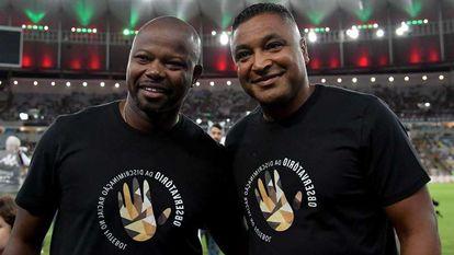 Roger Machado (à dir.) e Marcão, no Maracanã.
