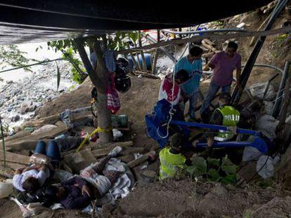 Busca por 15 mineiros na Colômbia.