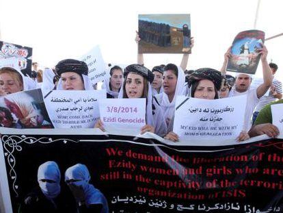 Yazidis pedem em agosto a libertação das mulheres.