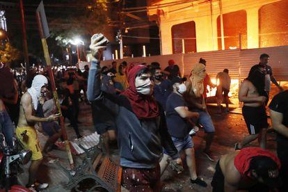 Protestos em Assunção contra o Governo de Mario Abdo Benítez.