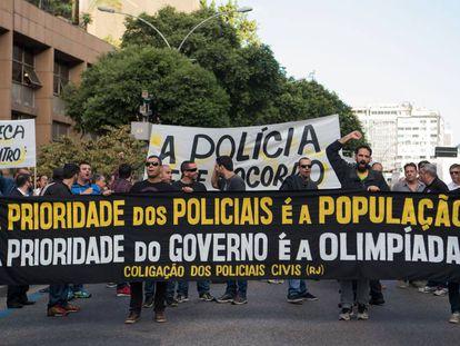 Policiais civis do Rio protestaram essa semana contra a crise.