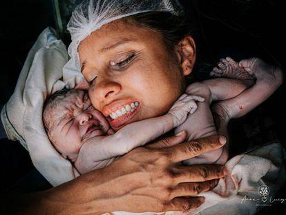 As melhores fotos de parto e pós-parto do ano
