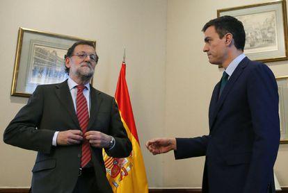 O presidente do Governo em exercício, Mariano Rajoy, e o secretário geral do PSOE, Pedro Sánchez.