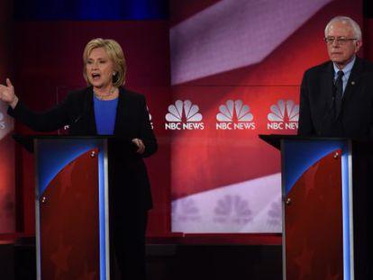 Clinton e Sanders, no debate deste domingo