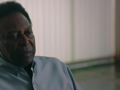 Pelé durante as gravações de documentário que estreou em 2021 na Netflix.
