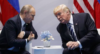Donald Trump e Vladimir Putin, na reunião do G20.