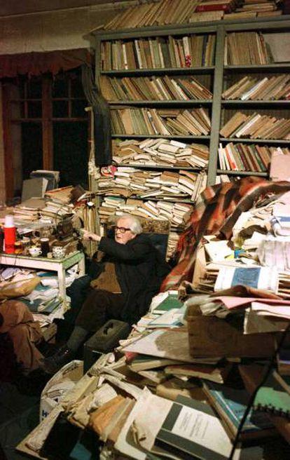 Jean Piaget em seu escritório, em 1979
