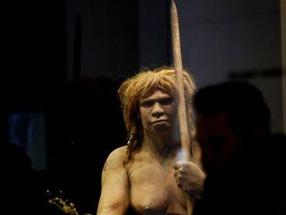 Reconstituição de uma mulher de Neandertal no Museu Arqueológico, em Madri.
