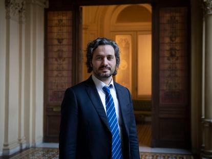 O chefe do Gabinete de Ministros da Nação, Santiago Cafiero, posa na Casa Rosada após a entrevista com o EL PAÍS, em 13 de agosto de 2020.
