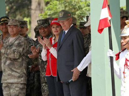 Kuczynski, e a primeira-ministra Araoz, nesta terça-feira em Lima.