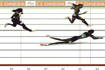 Foto que mostra a chegada da final dos 400 metros na Olimpíada do Rio.