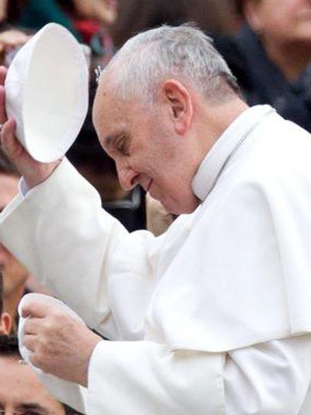 O papa Francisco na praça de São Pedro.