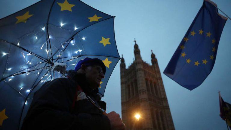 Manifestação contra o Brexit diante do Parlamento britânico.