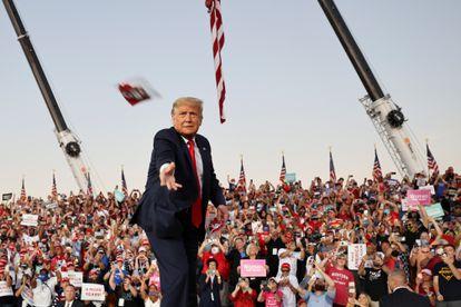 Donald Trump durante seu comício desta segunda-feira na Flórida.
