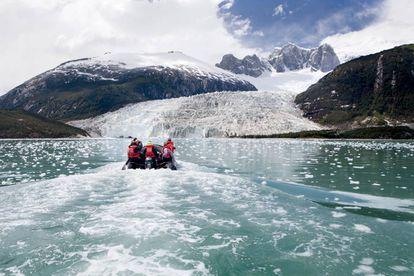 Glaciar Pía, no canal Beagle, Tierra del Fuego.