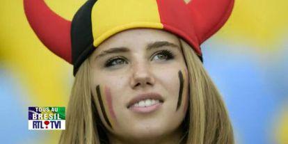 Axelle Despiegelaere, torcedora dos Diabos Vermelhos.