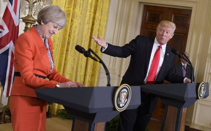 O presidente Trump e a primeira-ministra May durante a conferência de imprensa.