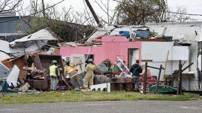 Uma casa arrasada pela passagem de Harvey pelo Texas