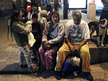 Moradores da Cidade do México após o terremoto