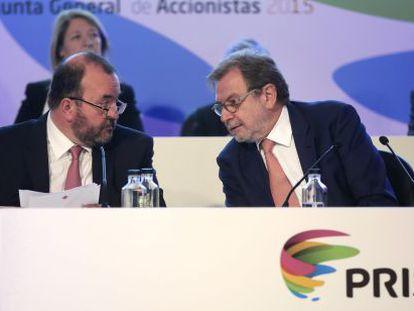 O executivo-chefe José Luis Sainz (à esq.) e Juan Luis Cebrián, presidente do Grupo PRISA.