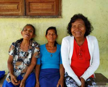 As parteiras ticunas, da esquerda para a direita: Francisca, Arminda e Lourdes