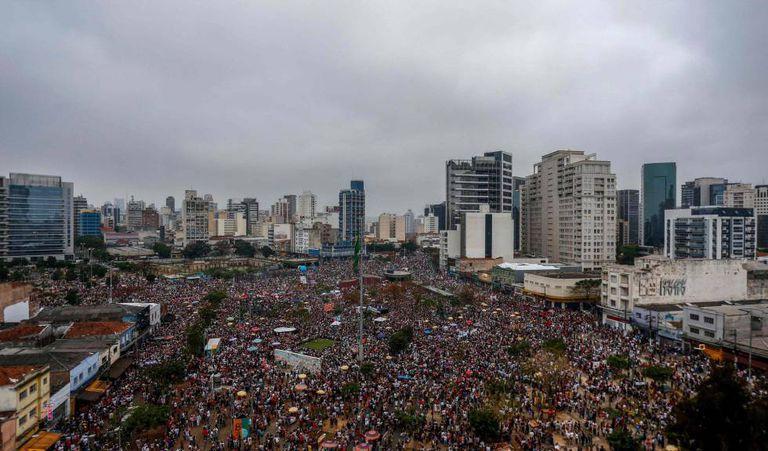 Manifestação do #EleNão no Largo da Batata, em São Paulo.