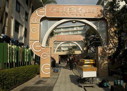 Preparativos para o Globo de Ouro em Beverly Hills.