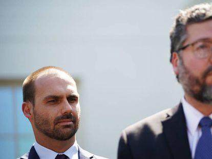 Eduardo Bolsonaro e Ernesto Araújo, em Washington, em setembro de 2019.