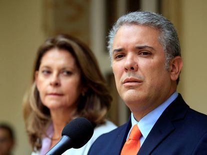 O presidente eleito da Colômbia, Iván Duque, com sua vice, Marta Lucía Ramírez.