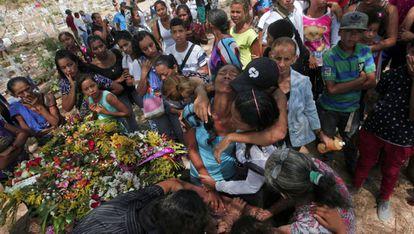 Funeral de uma das vítimas da rebelião de Carabobo.