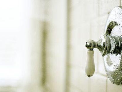 14 erros frequentes que cometemos no chuveiro