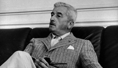 O escritor norte-americano William Faulkner.