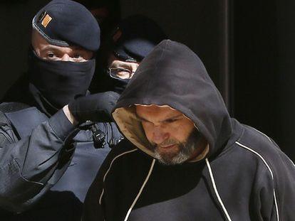 Um dos detidos na operação em Sabadell.