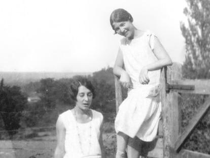 Élisabeth 'Zaza' (esquerda) e Simone de Beauvoir em Gagnepan (França) em 1928.