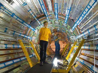 Interior do detector ATLAS.