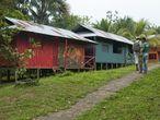Casas del resguardo de Moncagua, donde dejaron de llegar turistas en 2012 tras el cierre del Parque Nacional de Amacayucu por culpa de una inundación.
