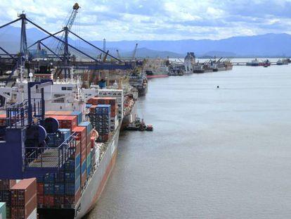 Porto de Paranaguá, no Paraná.