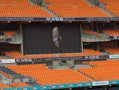 O estádio Soccer City de Johannesburgo, local onde o funeral será realizado.