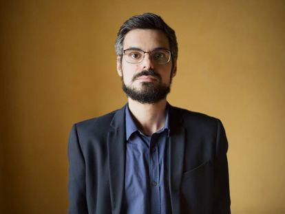 O sociólogo Pedro de Souza durante a entrevista, em São Paulo.