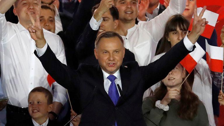 Andrzej Duda neste domingo, após conhecer o resultado das pesquisas.