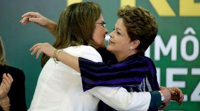 A presidenta Dilma Rousseff e a presidenta de Petrobras, Graça Foster.
